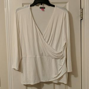 Women's Vince camuto top